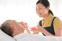 介護職で年収を上げる為の3つの方法
