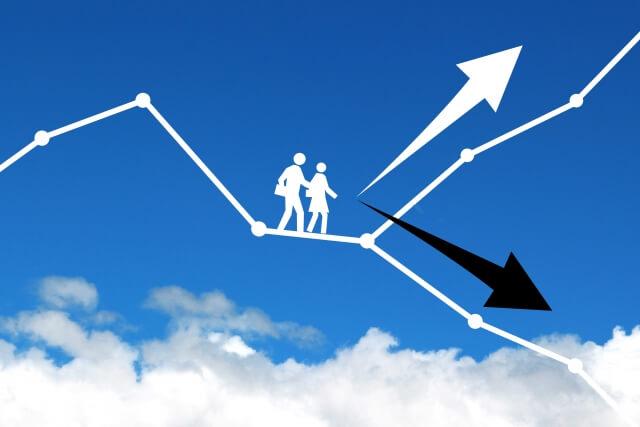 【アパレル転職】転職活動は退職後に行うべきか?在職中にするべきか?